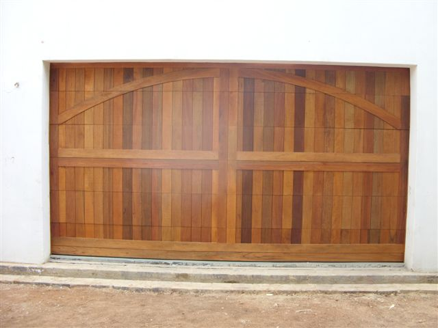 Single Arched Barn Style Double Wooden Garage Doors