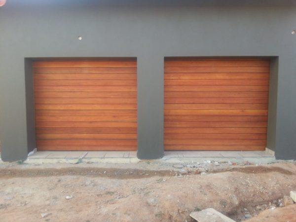 Single Horizontal Slatted Solid (Non-jointed) Wooden Garage Doors