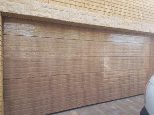 Horizontal Slatted double wooden look